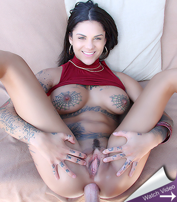 Lolly ink gets her pretty face covered in cum
