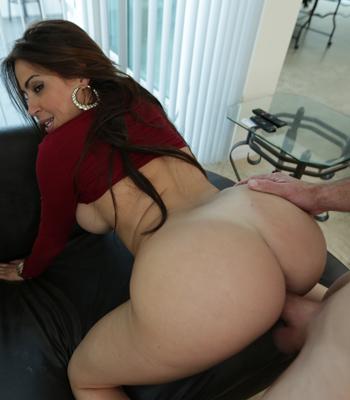 Julianna Vega Miami Ass
