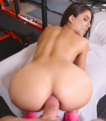 Jynx Maze On Holed In Anal Training