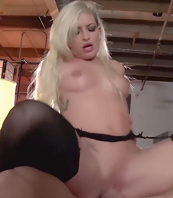 Kissa Sins Squirting and Creampie