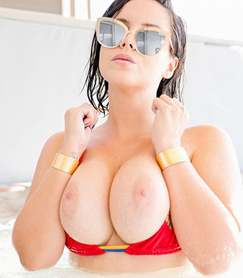Wonder Bikini