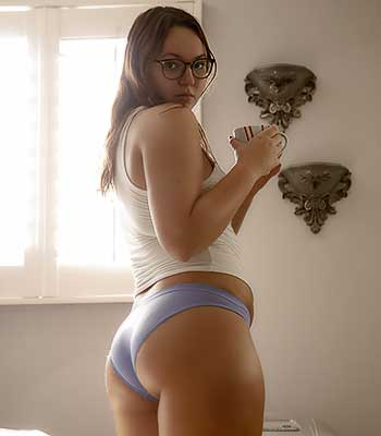 Https:www.imagepost.commoviestammy Kaimia On Zishy In The Thicc Of It
