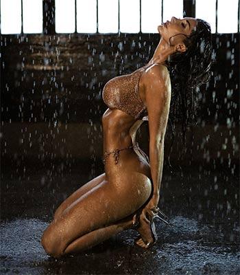 Sarai Rollins Nude